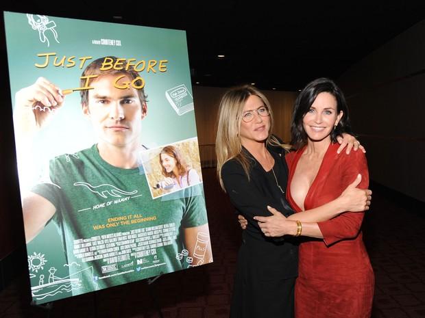 Jennifer Aniston e Courteney Cox em première em Los Angeles, nos Estados Unidos (Foto: Angela Weiss/ Getty Images/ AFP)