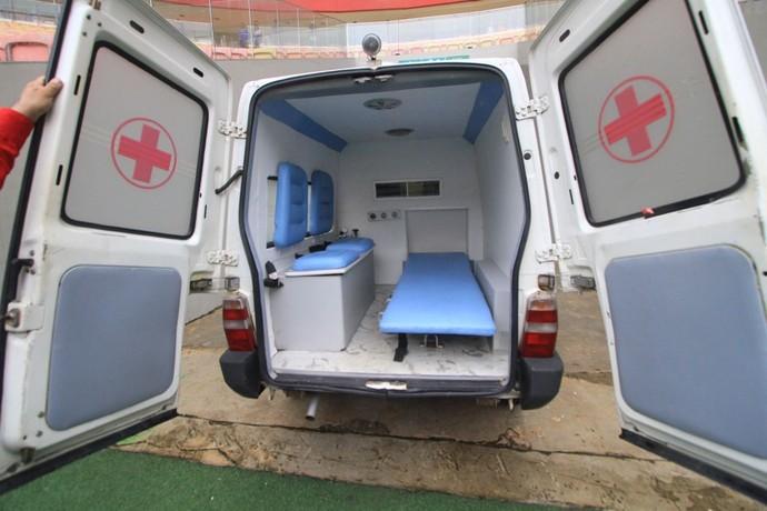 Ambulância jogador com convulsão Amazonas (Foto: Arlesson Sicsú/Nacional)