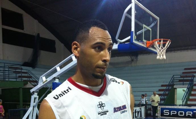 O'Neal Mims pivô Uberlândia basquete nbb (Foto: Gullit Castro)
