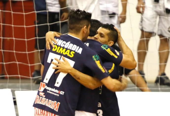 8e3f1b72f4783 Jogadores do Concórdia comemoram um dos gols na vitória sobre o Corinthians  (Foto  Divulgação