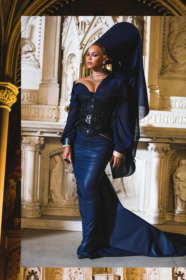 """Beyoncé em """"Fasmily Feud"""" (Foto: Reprodução)"""