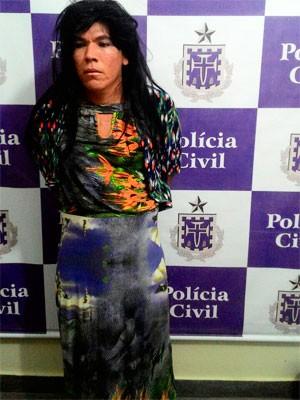 Preso tenta fugir de delegacia na Bahia vestido de mulher (Foto: Polícia Civil/Divulgação)