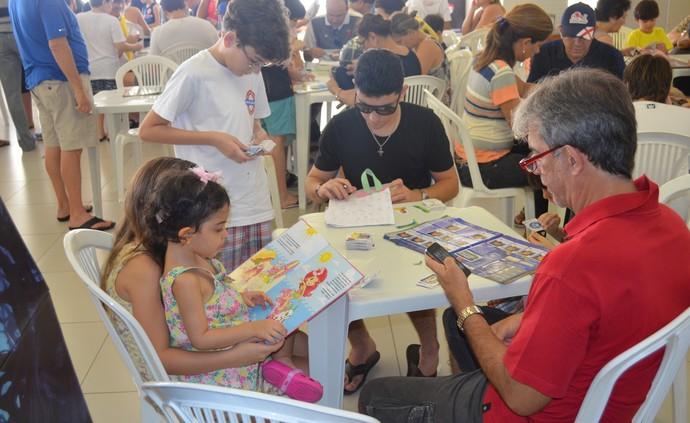 copa do mundo, troca de figurinhas, joão pessoa, marcos rocha (Foto: Lucas Barros / GloboEsporte.com/pb)