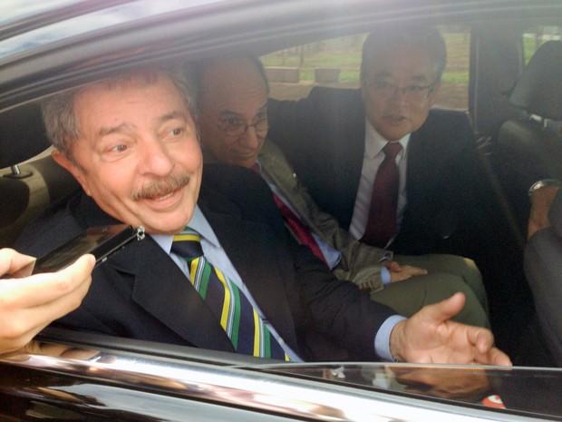 O ex-presidente Lula evita fazer comentários sobre a decisão do STF de executar imediatamente as penas de parte dos réus do mensalão (Foto: Filipe Matoso / G1)