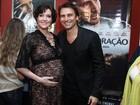 Larissa Maciel exibe o barrigão de grávida em pré-estreia no Rio