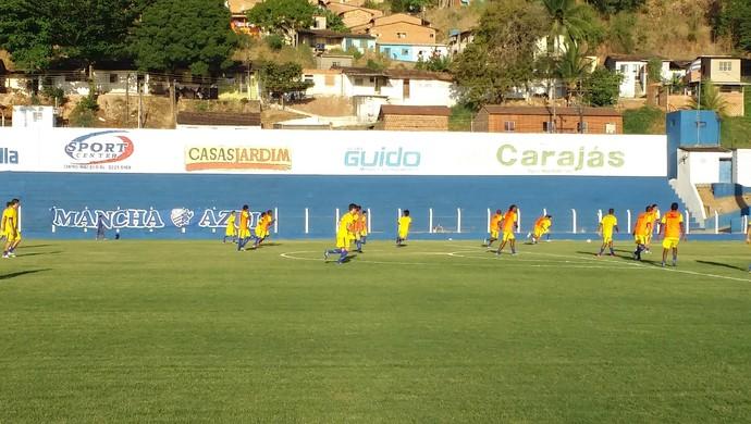 Jogadores do CSA realizaram o primeiro coletivo nesta quarta-feira (Foto: Augusto Oliveira/GloboEsporte.com)