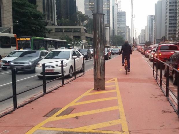 Ciclovia da Paulista é usada antes da inauguração (Foto: Tatiana Santiago/G1)