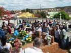 Célio Borges, pai do Ken Humano, é enterrado em Minas Gerais
