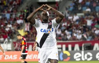 """Riascos dá primeira vitória ao Vasco  no Brasileiro e leva o """"gol mais bonito"""""""