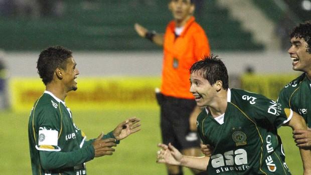 Fabinho e Medina foram os destaques do dérbi do século (Foto: Gustavo Tilio/ Globoesporte.com)