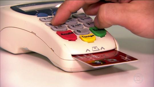 Nova regra do cartão restringe pagamento mínimo da fatura a 1 mês; entenda
