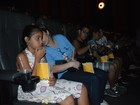 Crianças com deficiência visual vão ao cinema em São José dos Campos