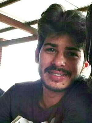 Júnior estava indo buscar o corpo de um amigo no aeroporto de Cruzeiro do Sul  (Foto: Arquivo pessoal)