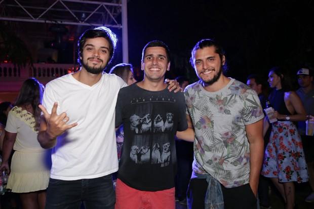 Rodrigo Simmas, Luiz Amaral e Bruno Gissoni (Foto: RAPHAEL MESQUITA / DIVULGAÇÃO)