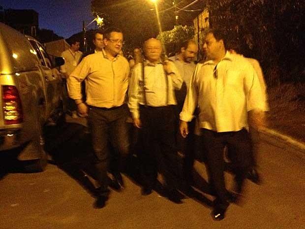 Dirigentes do PSB visitam mulher de Campos no Recife (Foto: Mariana Oliveira)