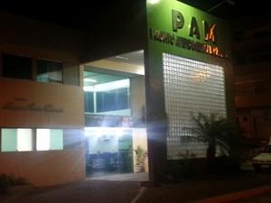 Presos foram atendidos no PAM em Oliveira (Foto: Anna Lúcia Silva/ G1)
