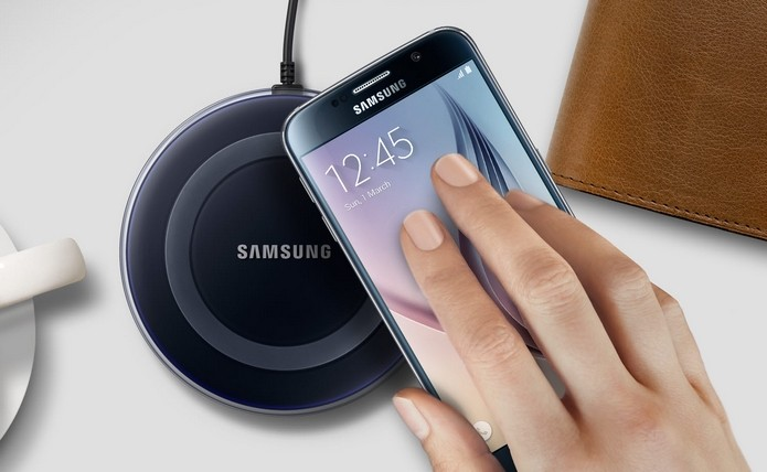 Smarphones top de linha rivais, como Galaxy S6, suportam carregamento sem fio (Foto: Divulgação/Samsung)