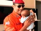 Por telefone, bombeiro ajuda a salvar  bebê engasgado com leite na Bahia