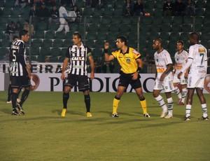 Figueirense x Arapongas (Foto: Marcelo Silva)