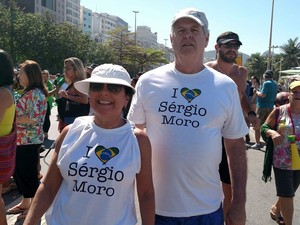 Manifestantes com camisa 'I love Sérgio Moro' (Foto: G1)
