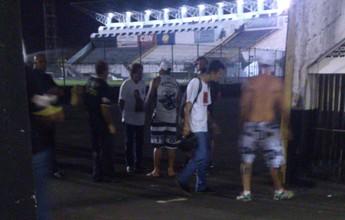 Após derrota na Joia, torcida do Bafo protesta contra técnico, time e direção