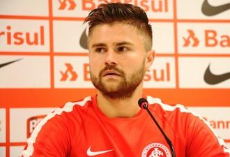 Eduardo Sasha atacante Inter (Foto: Tomás Hammes / GloboEsporte.com)