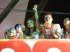 Ela não para! Alessandra Ambrósio curte mais uma noite de folia na BA