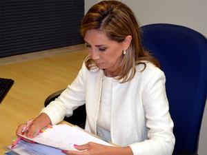 Candidata Dárcy Vera se prepara para o debate da EPTV nesta sexta-feira (Foto: Eduardo Guidini/ G1)