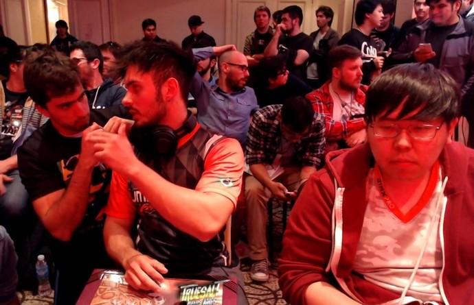 """Brasileiro Elton """"HKDASH"""" se prepara para enfrentar americano Justin Wong na final do True Salt (Foto: reprodução)"""