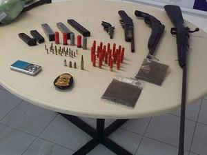 Drogas apreendidas em Brotas, em Salvador. Bahia (Foto: Polícia Civil/ Divulgação)