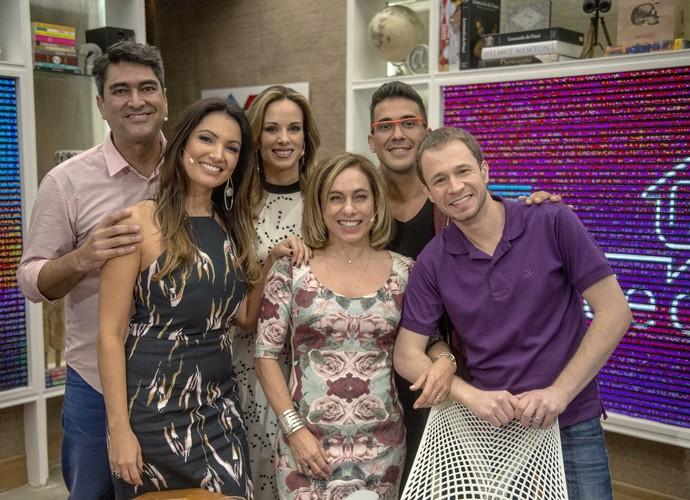 Tiago Leifert e apresentadores do É De Casa (Foto: Renato Rocha Miranda/TV Globo)