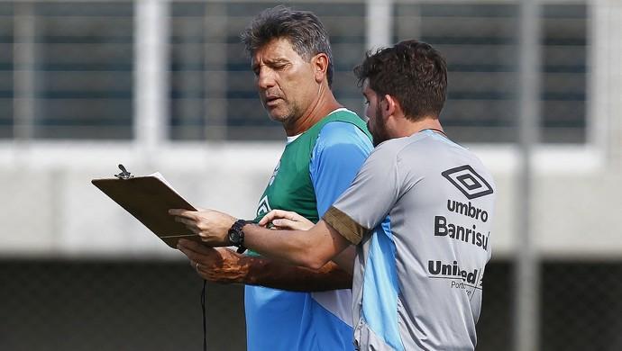 Renato treino do Grêmio (Foto: Lucas Uebel/Divulgação Grêmio)