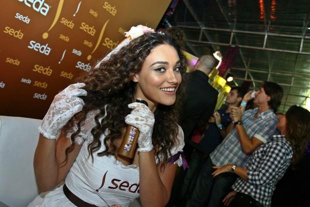 Débora Nascimento (Foto: Marcelo Loureiro/Divulgação)
