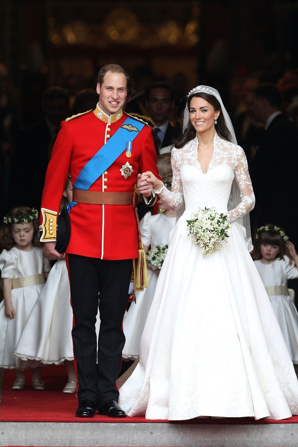 LONDON, ENGLAND - APRIL 29:  TRH Prince William, Duke of Cambridge and Catherine, Duchess of Cambridge smile following their marriage at Westminster Abbey on April 29, 2011 in London, England. The marriage of the second in line to the British throne was l (Foto: Getty Images)