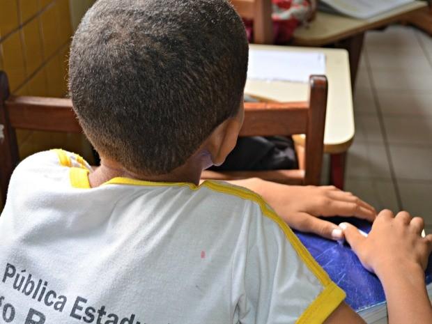 criança agressão cruzeiro do sul Acre  (Foto: Francisco Rocha/G1)