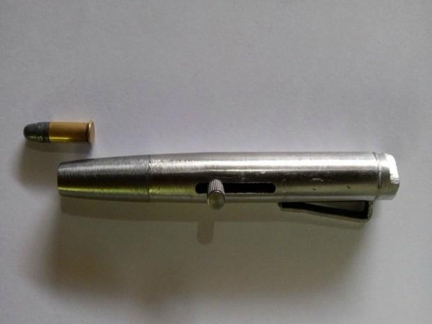 Arma artesanal foi encontrada com jovem em Ariquemes (Foto: Franciele do Vale/G1)