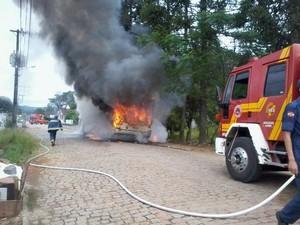 Motorista e cobrador foram rendidos por seis homens em Rio do Sul (Foto: Marcio Sumariva/Divulgação)