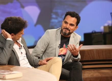 Luciano, dupla de Zezé Di Camargo, entrega fazer 'amor 24 horas' devido à tecnologia