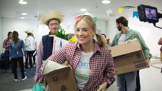 'Estrelas Solidárias': Angélica participa de festa junina solidária