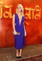 Giovanna Ewbank vai com decotão a festa: 'Mas fico me policiando'