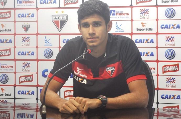 Victor Oliveira, zagueiro do Atlético-GO (Foto: Guilherme Gonçalves/GloboEsporte.com)