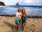 Danielle Winits e Chay Suede curtem a ilha de Noronha ao lado de Angélica