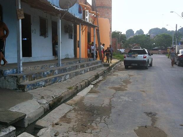 Crime ocorreu no bairro Novo Reino 2, Zona Leste de Manaus (Foto: Ive Rylo/G1 AM)