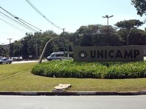 Entrada da Unicamp em Campinas (Foto: Fernando Pacífico / G1)