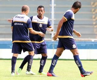 gol de fabinho cambalhota, jogo-treino macaé x serra macaense (Foto: Tiago Ferreira / Macaé Esporte)