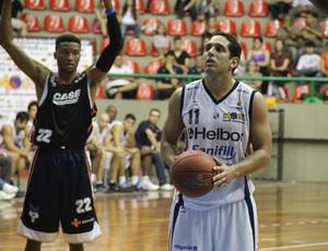 Jogo foi o primeiro de Mogi em uma edição do NBB (Foto: Thiago Fidelix / Globoesporte.com)