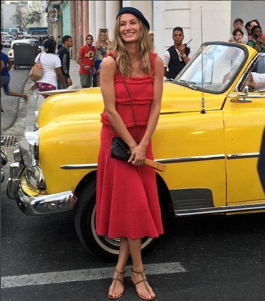 Gisele chega ao desfile da Chanel em Cuba (Foto: Instagram)