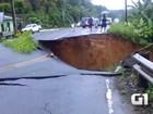 Ponte desaba durante chuva forte em Ituberá (Reprodução/TV Bahia)