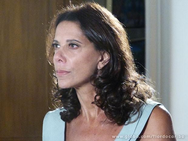 Lindaura promete fazer Alberto pagar pelo sofrimento de Ester (Foto: Flor do Caribe / TV Globo)