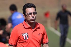 Rodrigo Fonseca, técnico do sub-17 do Botafogo-SP (Foto: Rogério Moroti/ Agência Botafogo)